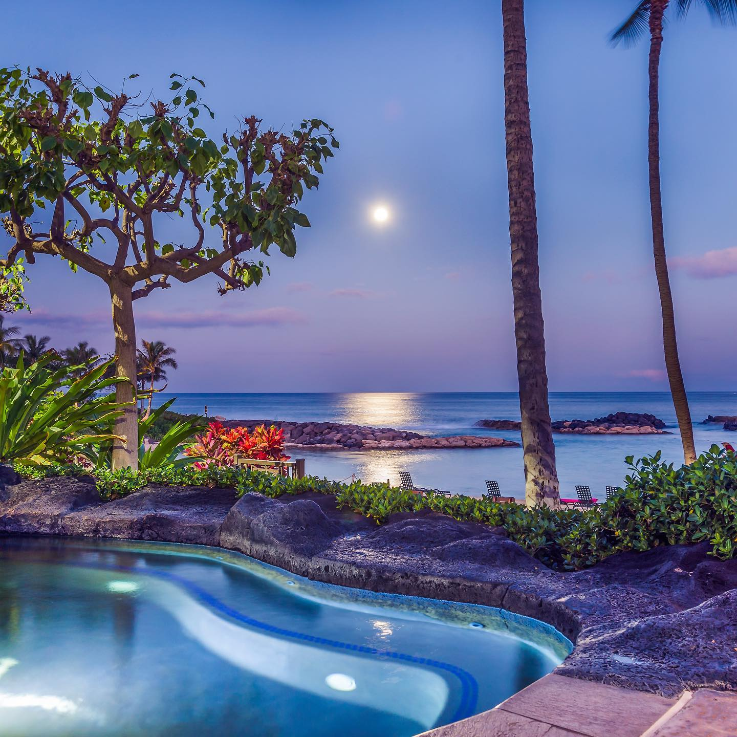 Picture of a Pool with Ocean Views in one of our Hawaii Vacation Rentals in Oahu.
